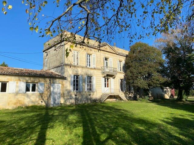 Maison de Maitre in Gironde for sale