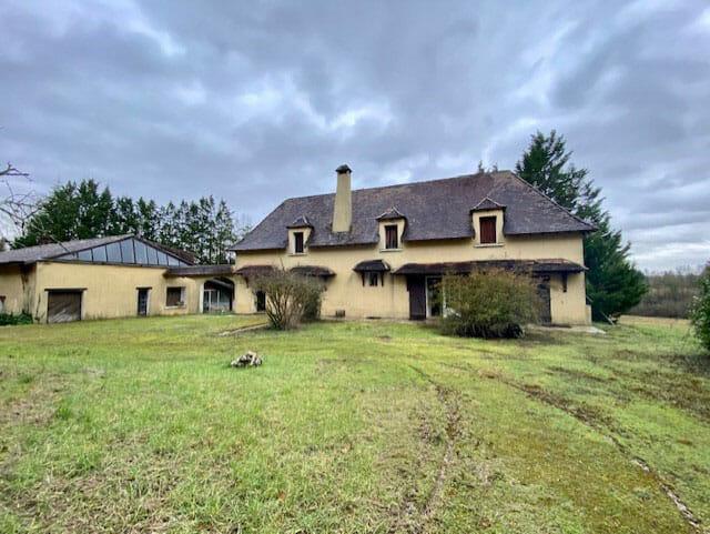 Property for sale in Lauzun