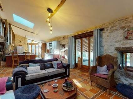property for sale in Gironde living room